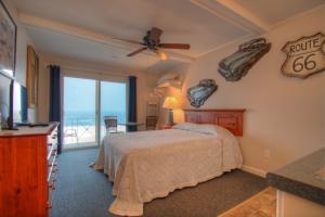 Oceanfront Queen Efficiency Room 27 - Second Floor