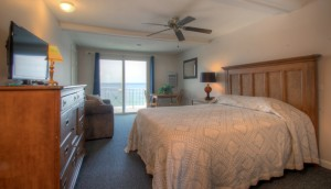 Oceanfront Queen Efficiency with Single Pull-out Room 32 - Third Floor