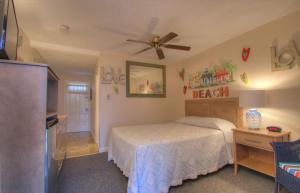 Oceanfront Queen Room 33 - Third Floor