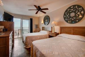 Oceanfront Standard Room 4 - First Floor - Pet Friendly